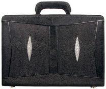 Pijlstaartrog leren attache koffer A044-01Black